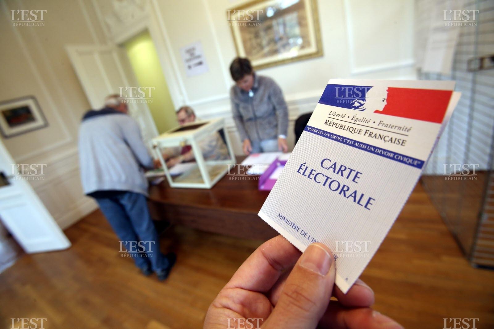Bulletins de vote disparus, électeurs radiés : la présidentielle française a-t-elle été truquée ? | Le courrier du soir